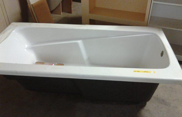 6′ Kohler Bathtub with Apron